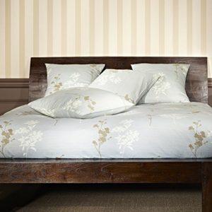 Hübsche Bettwäsche aus Satin - grau 155x220 von Mistral