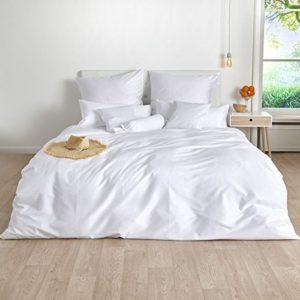 Kuschelige Bettwäsche aus Satin - weiß 220x240 von Traumschlaf