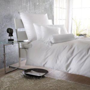 Hübsche Bettwäsche aus Satin - weiß 220x240