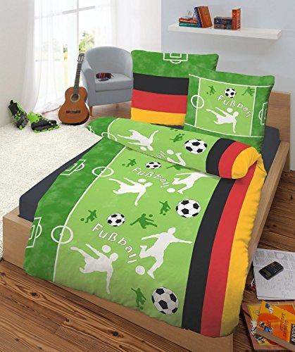 h bsche bettw sche aus biber fu ball gr n 135x200 von. Black Bedroom Furniture Sets. Home Design Ideas