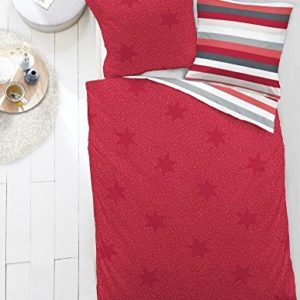 Kuschelige Bettwäsche aus Biber - Sterne rot 135x200 von Dormisette