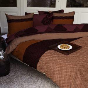 Traumhafte Bettwäsche aus Renforcé - rot 155x220 von HNL