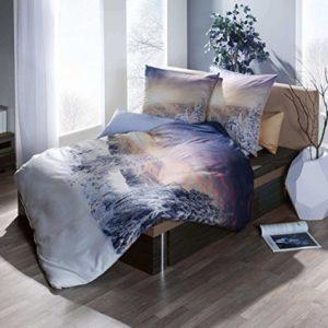 Traumhafte Bettwäsche aus Satin - blau 155x220 von Kaeppel