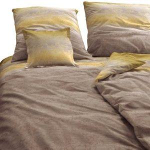 Hübsche Bettwäsche aus Satin - braun 155x220 von Zucchi