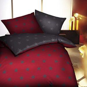 Schöne Bettwäsche aus Satin - Sterne rot 155x220 von Kaeppel