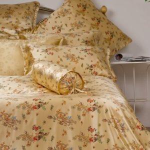 Kuschelige Bettwäsche aus Seide - 135x200 von Orifashion