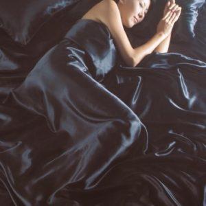 Kuschelige Bettwäsche aus Seide - schwarz von Intimates