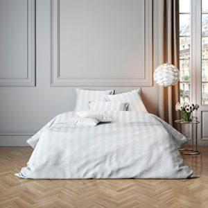 Kuschelige Bettwäsche aus Satin - weiß 220x240